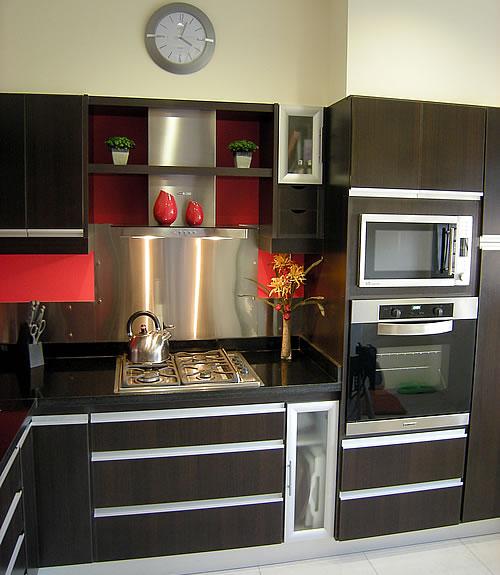 Cocina melamina roble moro m rmol negro uruguayo for Muebles de cocina en melamina modernos