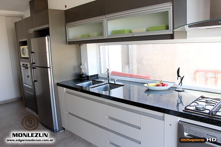 Amoblamiento cocina melamina color litio combinado con titanio for Muebles de cocina en melamina modernos