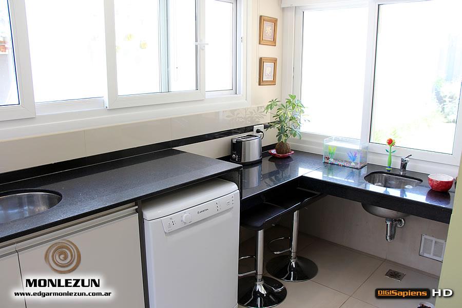 Mueble de cocina a medida en melamina cantos abs for Mueble con cajones para cocina