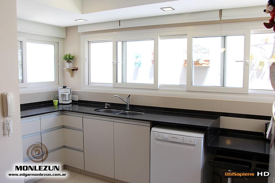 Mueble de cocina a medida en melamina cantos abs - Puertas mueble de cocina ...