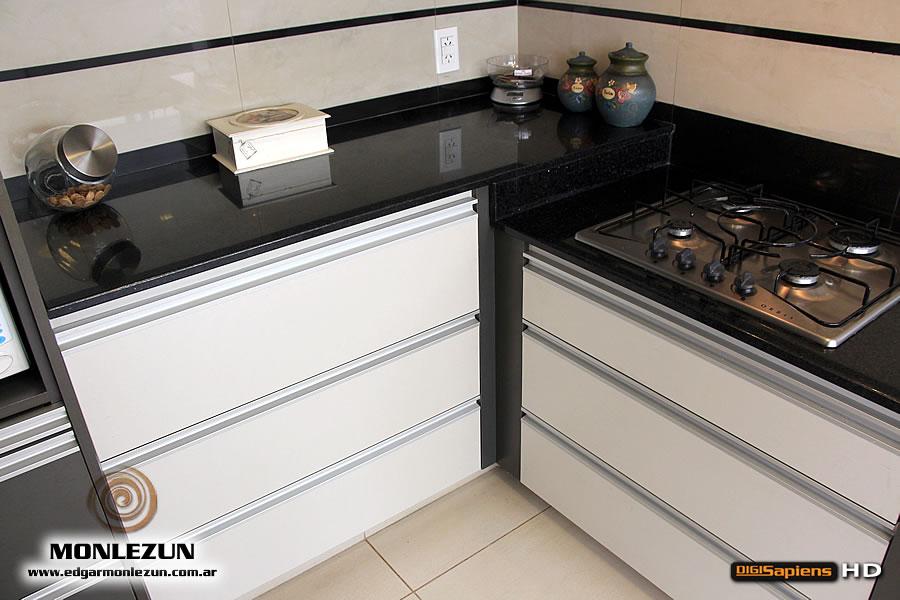 Mesas de cocina auto design tech - Mesas de ordenador baratas online ...