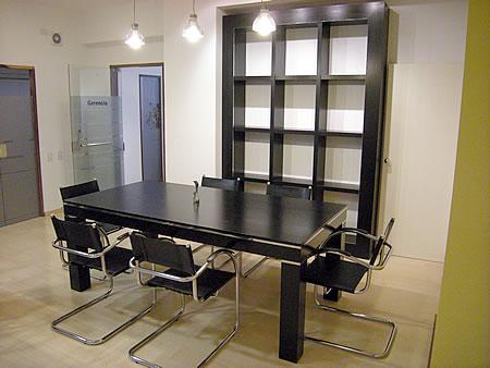 Mesas y sillas a medida edgar monlezun amoblamientos for Amoblamientos para oficina