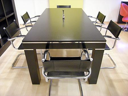 Amoblamiento de oficina a medida mesa de directorio en for Medidas mesa oficina